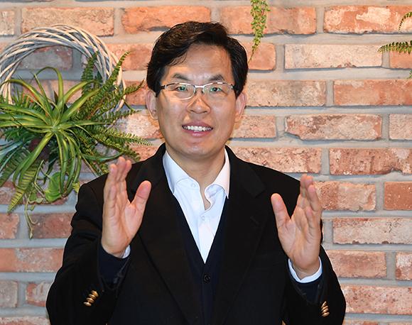 근대문화진흥원 이효상원장-web.jpg